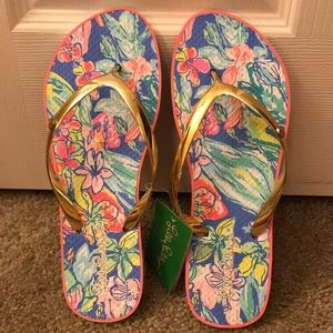 Lilly Pulitzer Bennett blue flip flops